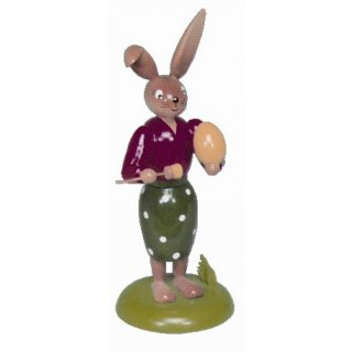Holzkunst Gahlenz rabbit woman with egg