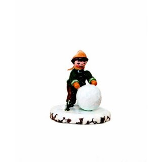 Hubrig winter kids boy with snowball