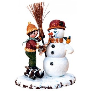 Hubrig winter kids boy with snowman