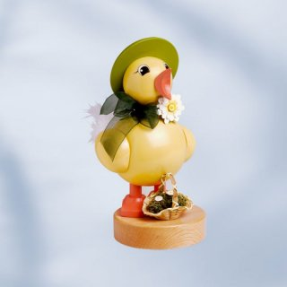 KWO spring chick with green hat