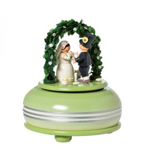 KWO music box wedding small