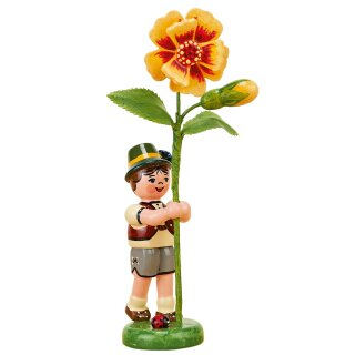 Hubrig flower kid - flower boy with Tagetes