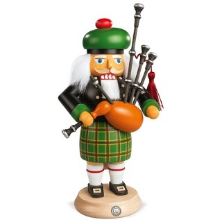 Müller nutcracker scot with bagpipes